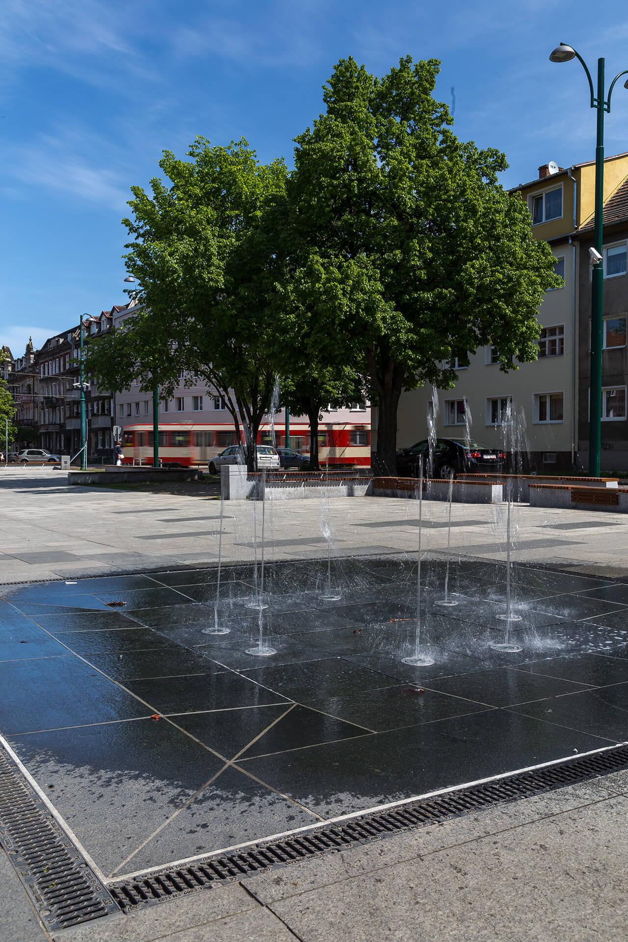 Fontanna na placu księdza Jana Gustkowicza